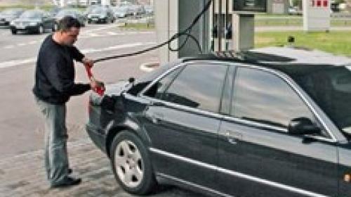 ForPost - В Севастополе увеличили продажи бензина