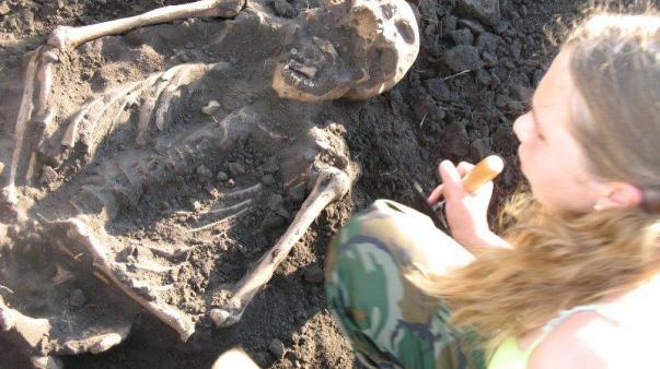 ForPost - В Сибири найдена скифская гробница возрастом 3000 лет