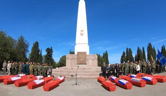 ForPost - На Мемориальном кладбище под Севастополем захоронили останки 277 бойцов