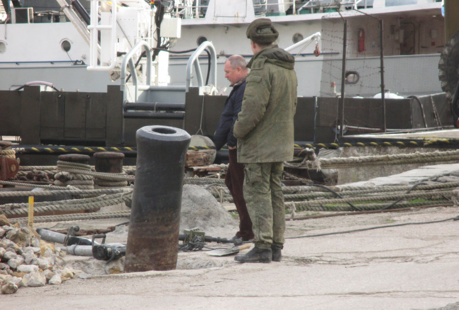ForPost - Новости : В Севастополе раскапывают стволы войны