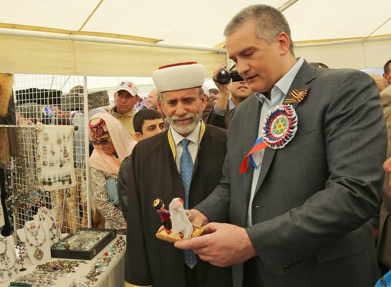 ForPost - Новости : Аксёнов создал при себе совет крымских татар
