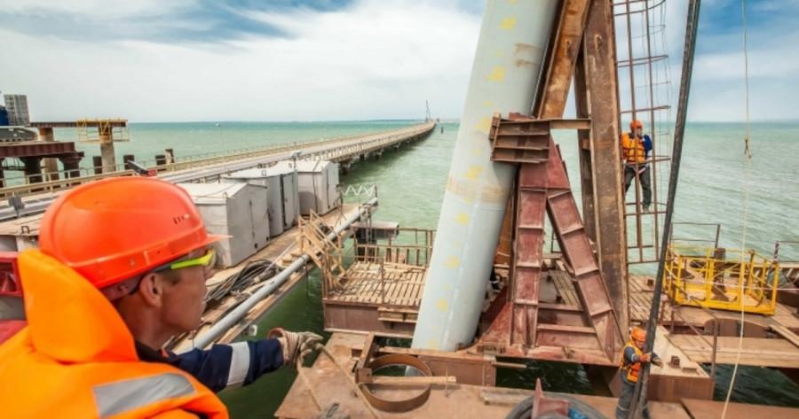 ForPost - Новости : За строительство Крымского моста будут награждать медалью