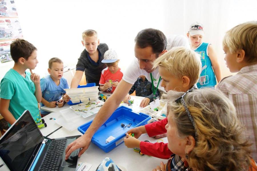 Севастопольская станция юных техников приглашает на бесплатные занятия