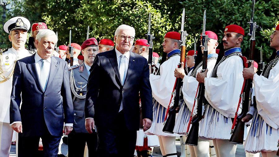 Греция потребует от Германии «юридически действующих» репараций