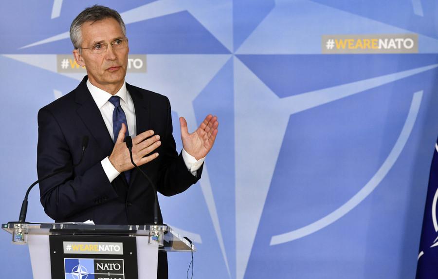 """НАТО не планирует размещать новые ядерные ракеты в Европе в ответ на """"ракетную угрозу РФ"""""""