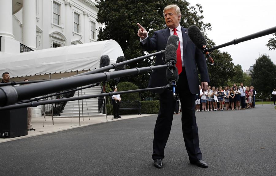 Трамп может закрыть южную границу США с помощью президентского указа