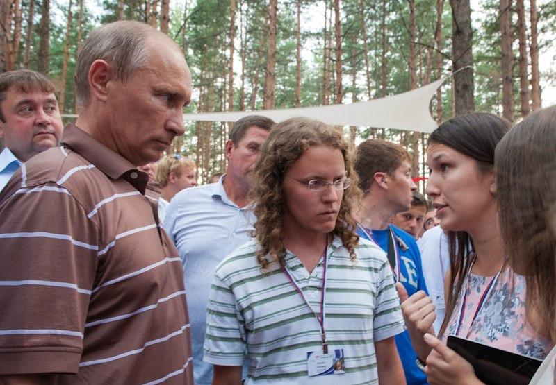 Интервью для Севастополя. Об энергетике Путина и просьбе обнять Медведева