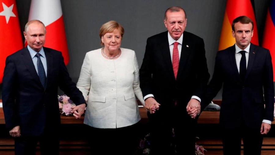 Журналист Bild раскритиковал Меркель за «излишнее дружелюбие» к Путину
