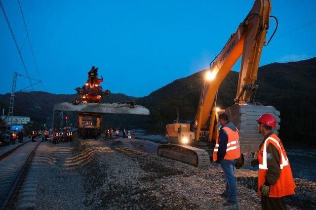 В подтопленных районах Краснодарского края восстановили движение поездов