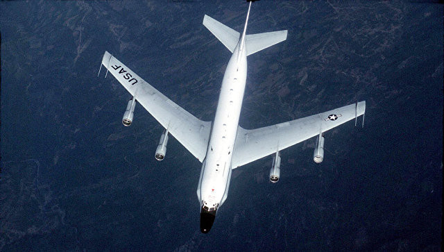 Американский самолет-разведчик заметили у границ Калининградской области
