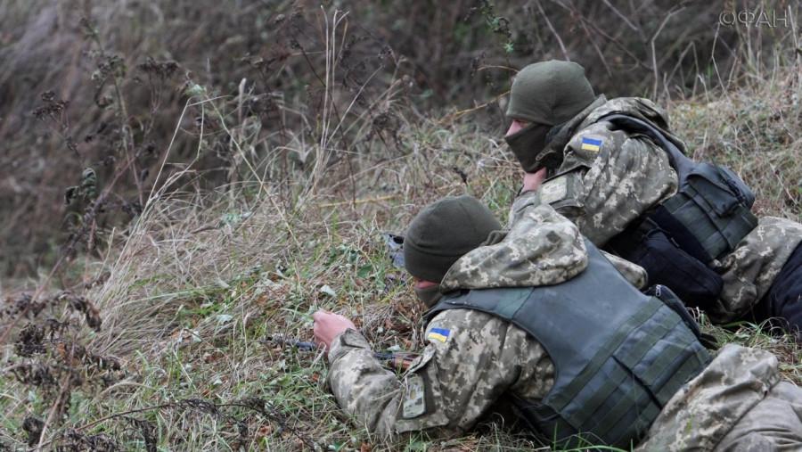Два бойца ВСУ с оружием сбежали из части в Донбассе