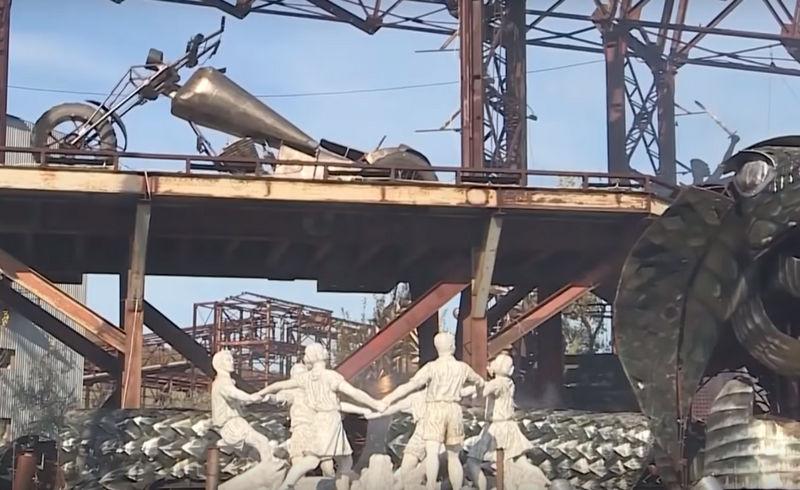 В Севастополе хотят установить «памятник» жирафу-байкеру