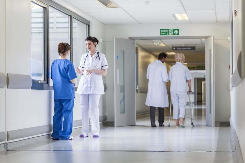 ForPost - Новости : На больничных койках остаются 18 пострадавших в Керчи