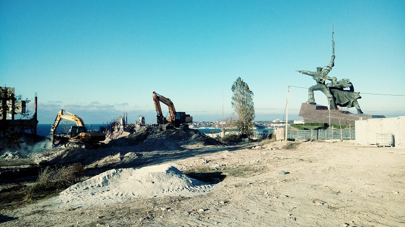 Военный музей и театральный комплекс на мысе Хрустальном возведут строители Крымского моста