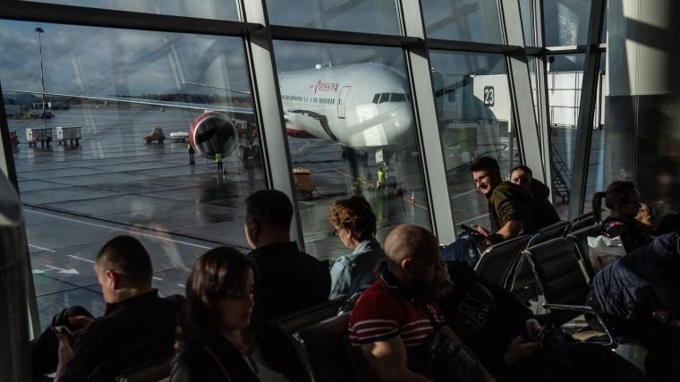 Стали известны подробности ЧП в Шереметьево, где самолет сбил человека