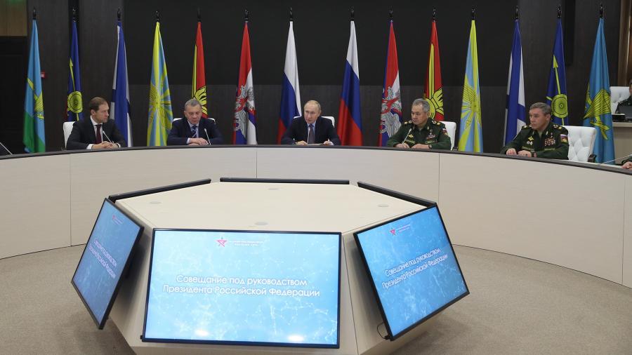 Путин призвал развивать производство «умных» боеприпасов