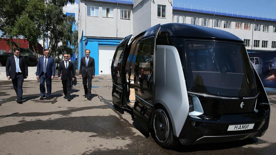 Эксперимент по внедрению беспилотного транспорта начнется в России 1 декабря