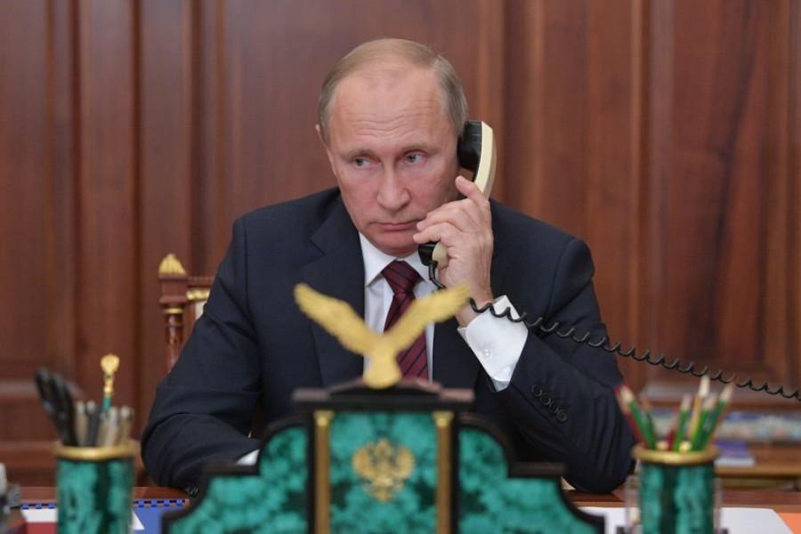 Путин и Меркель обсудили инцидент в Черном море
