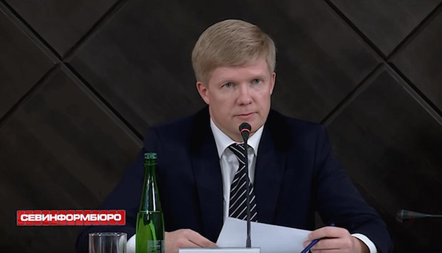 Правительство Севастополя убирает с Матросского бульвара меценатов и грозит уголовным преследованием