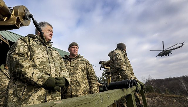 """Порошенко рассказал об угрозе """"полномасштабной войны"""" с Россией"""