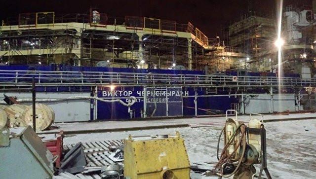 """СК назвал основную версию пожара на ледоколе """"Виктор Черномырдин"""""""