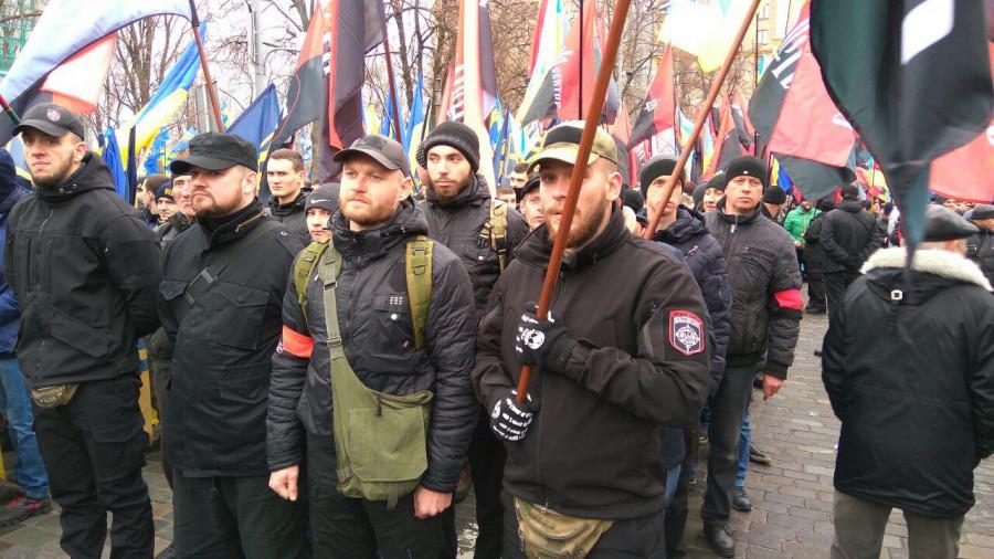 Разведка НМ ДНР отметила скопление банд украинских националистов в крупных городах Донбасса