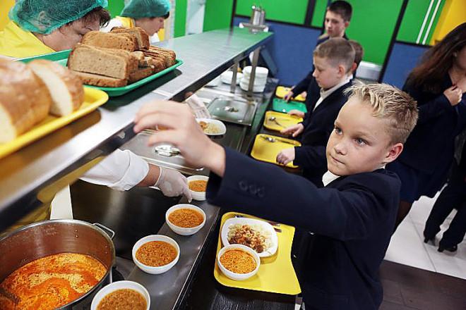 Цены на школьные обеды станут одинаковыми по всей стране