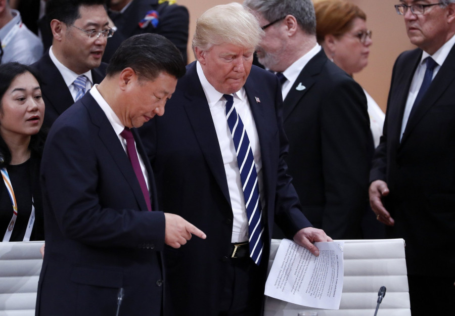 Трамп согласился не поднимать пошлины против Китая с 1 января