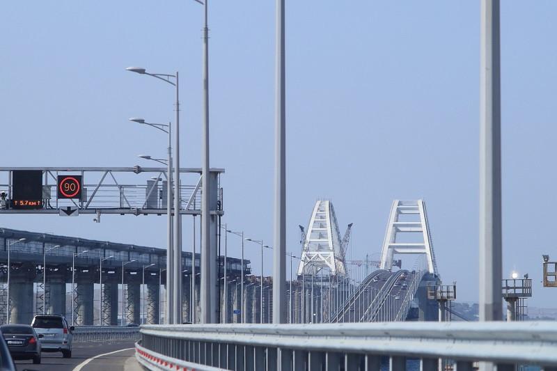 Крымский мост миновал рубеж в три миллиона автомобилей