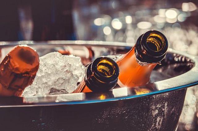ФАС поддержала размещение на бутылках надписи о вреде алкоголя