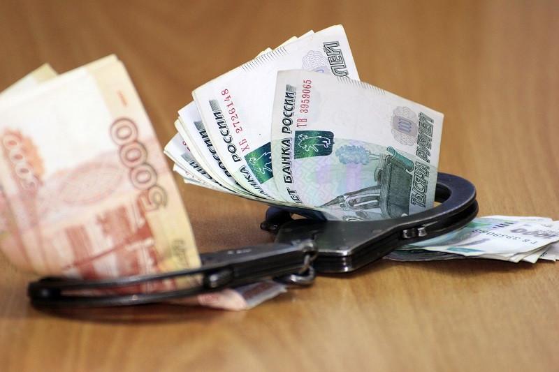 В Крыму коррупционерами стали сотни чиновников