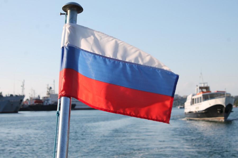 Почему действия губернатора Севастополя расходятся с шагами Полпредства