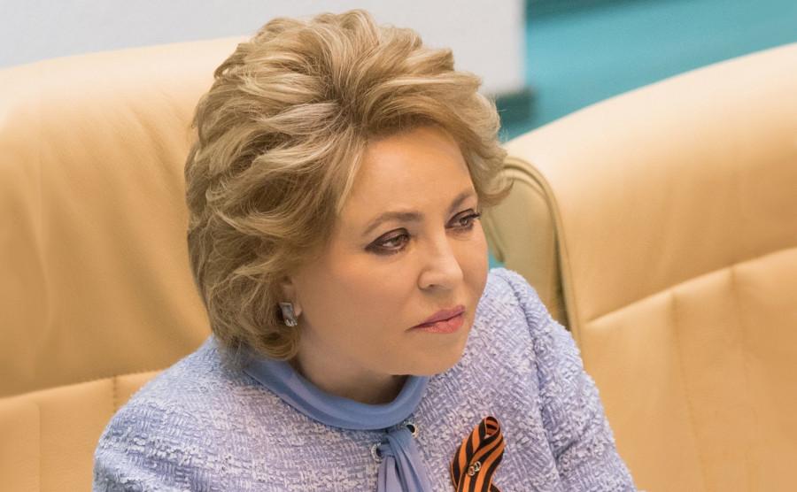 Конституция 25 лет назад вернула страну к нормальной жизни, - Матвиенко