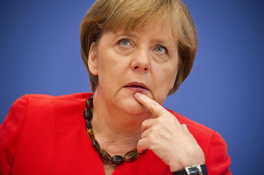 Меркель попросила Путина освободить задержанных украинских моряков