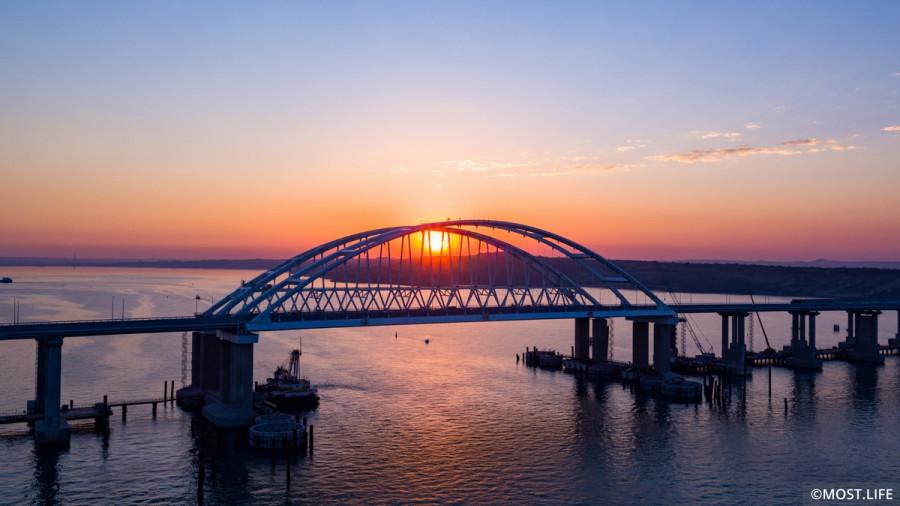 ForPost - Новости : Россияне признали открытие Крымского моста главным событием 2018 года