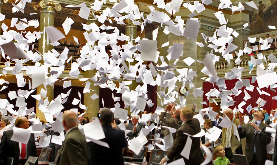 ForPost - Новости : Вице-губернатор Севастополя выбросил подписи жителей за Матросский бульвар