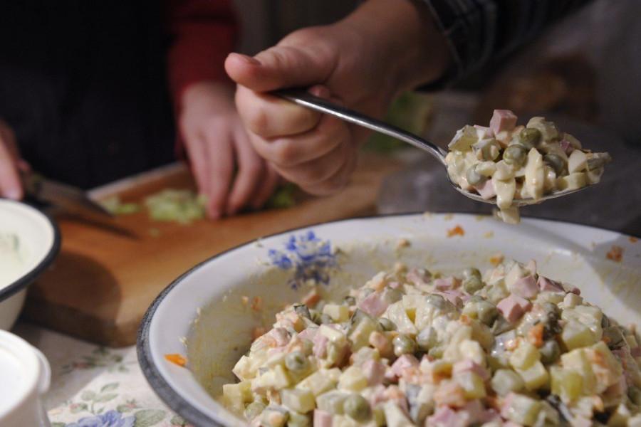 """В Роскачестве рассказали, как выбрать лучшие ингредиенты для """"оливье"""""""
