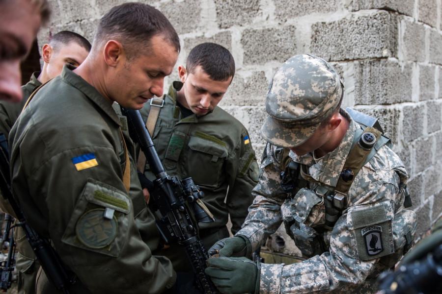 На Украине рассказали о полученных от НАТО современных средствах связи
