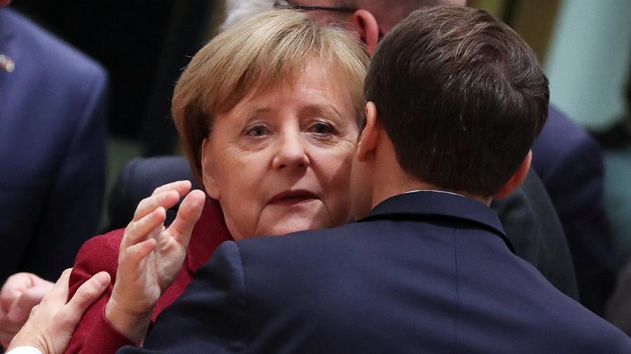 Макрон и Меркель в очередной раз призвали освободить украинских моряков