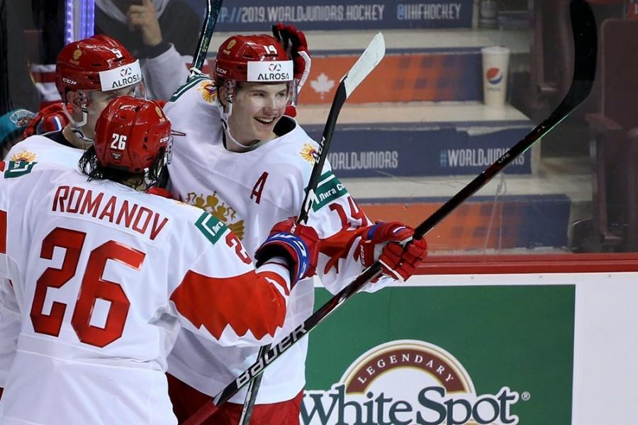 Российские хоккеисты обыграли Канаду на молодежном чемпионате мира