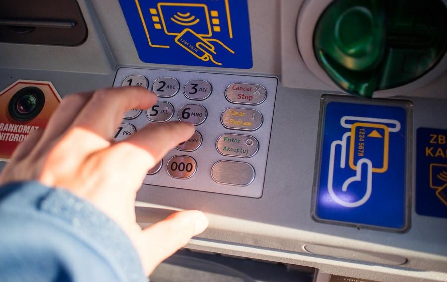 Снятые банком деньги вернутся к севастопольцам