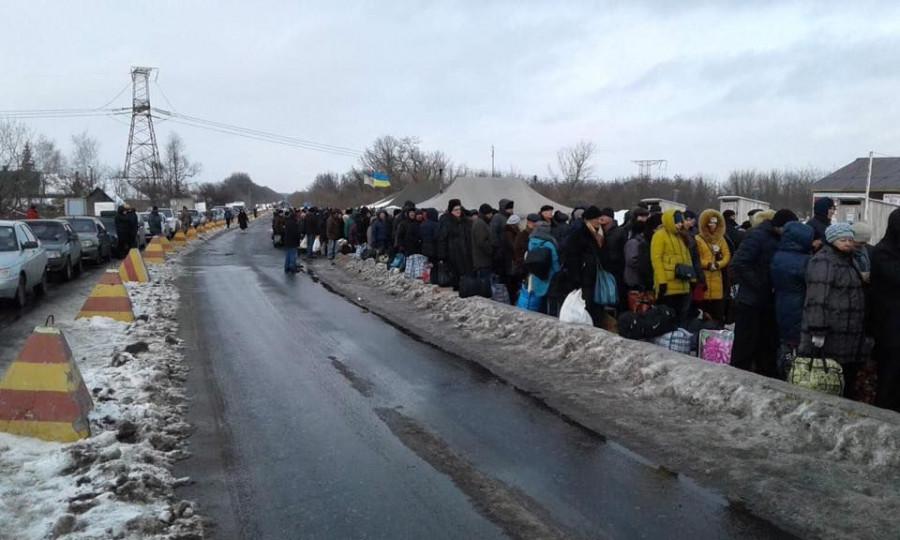 Пожилая женщина скончалась на КПП под Горловкой после кражи денег украинскими пограничниками