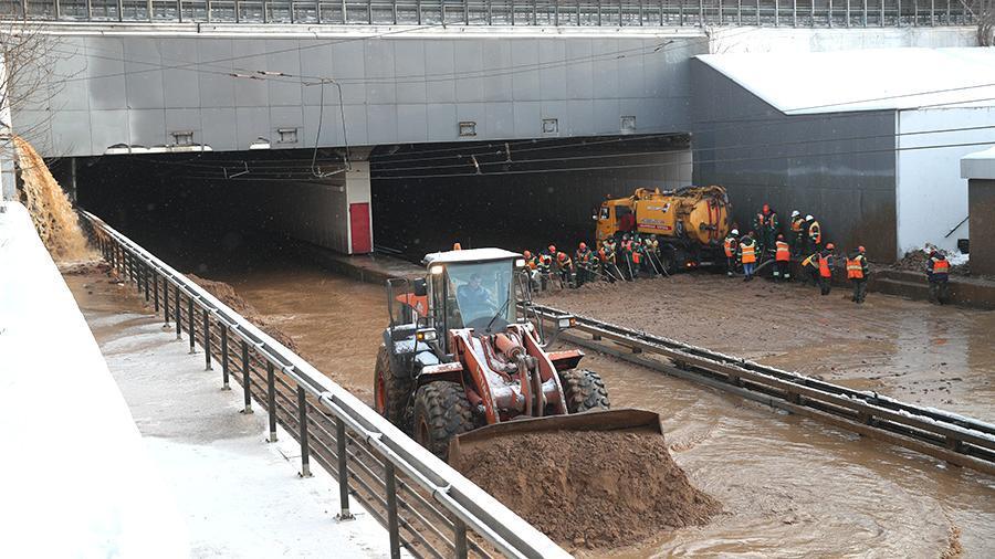 Власти Москвы назвали возможную причину затопления Тушинского тоннеля
