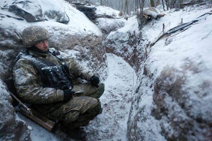 Военнослужащий ВСУ ранен в результате неосторожного обращения с оружием в ходе постановочной съемки