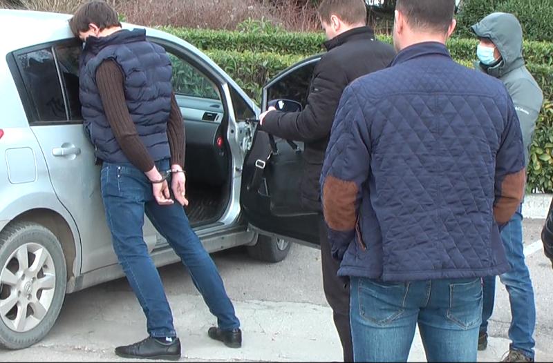ФСБ задержала в Крыму украинца за мошенничество