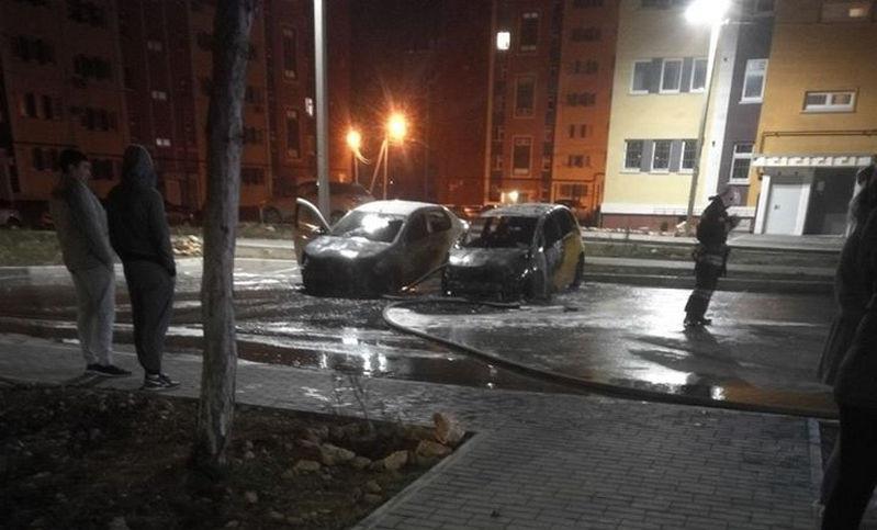 ForPost - Новости : Ночью в Севастополе горели и взрывались автомобили