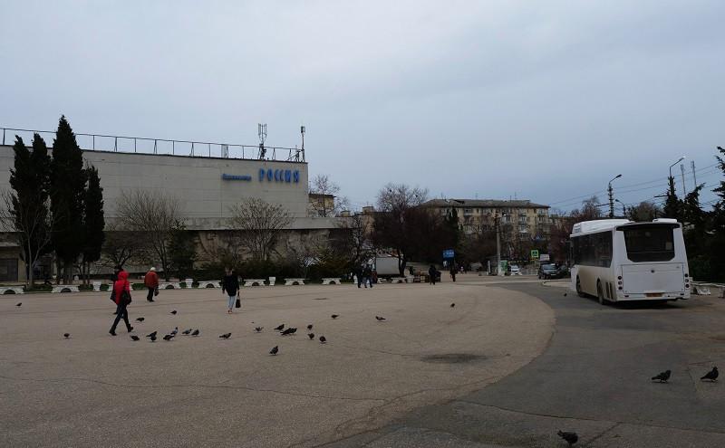 ForPost - Новости : Третий чиновный штурм площади 50-летия в Севастополе снова провалился