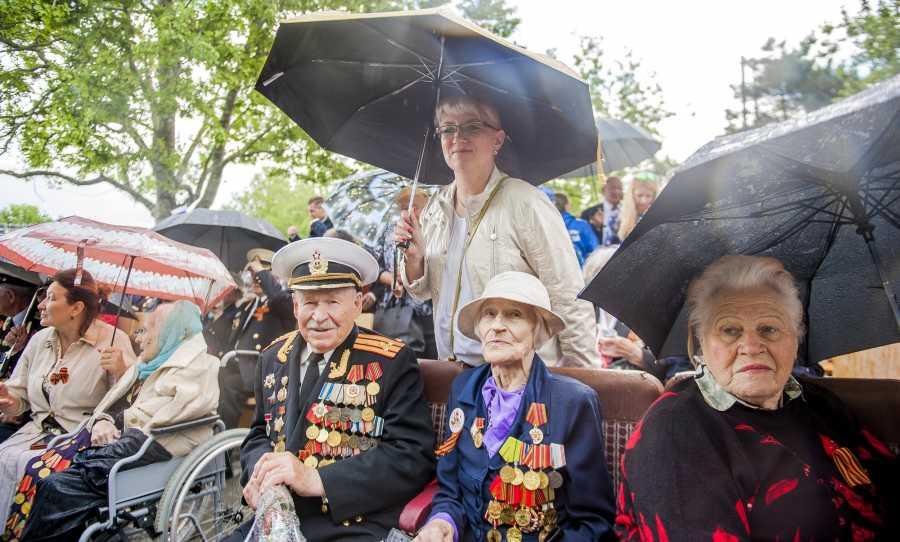 ForPost - Новости : Севастопольским ветеранам предлагают добавить денег