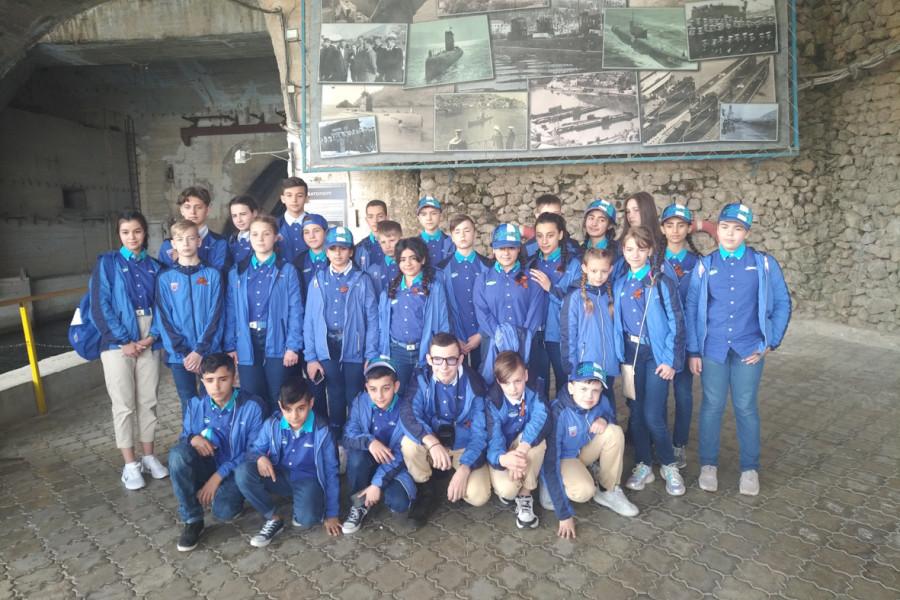 ForPost - Новости : Дети сирийских военных спели «Легендарный Севастополь» в Балаклаве