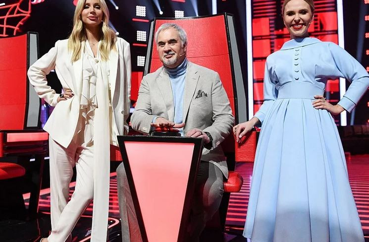 ForPost - Новости : Эрнст объявил победителя шоу «Голос. Дети»